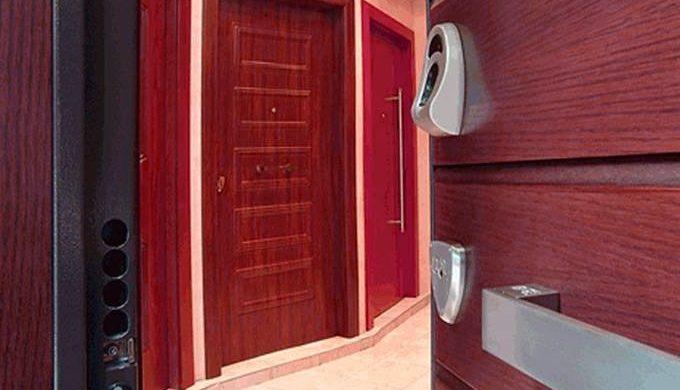 como proteger tu puerta